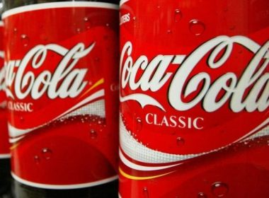 Coca-Cola losses promise to employees, 10% more salary