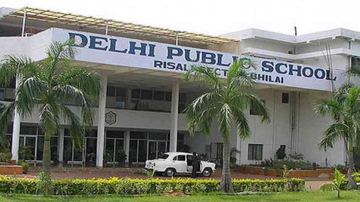 School closed, buses did not run yet transportation fee was collected, notice issued