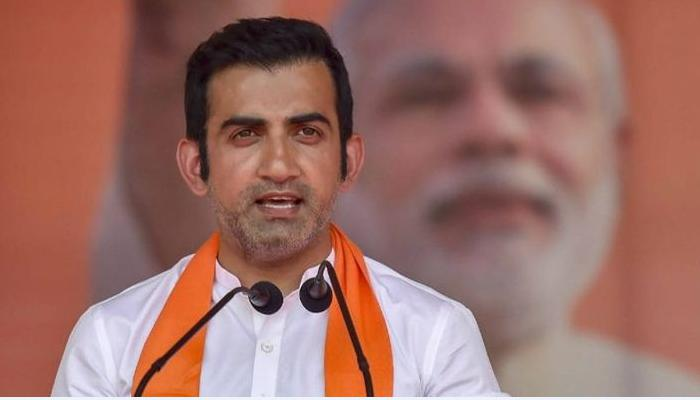 In 9 minutes, people burst firecrackers, Gautam Gambhir's mercury goes up