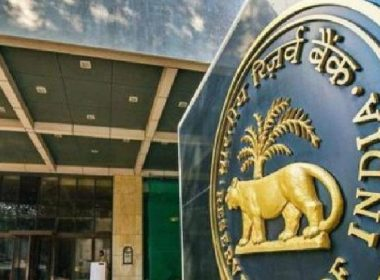 Lockdown: In a month, people withdraw Rs 84,461 crore from the bank