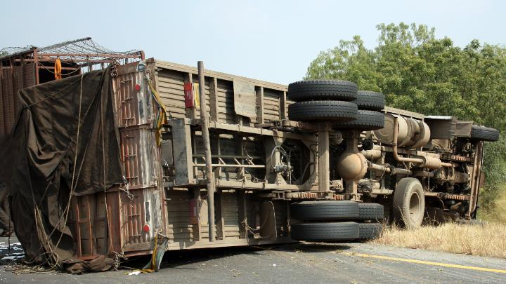 Now the truck full of laborers overturned in MP's Sagar, 5 killed, 20 injured